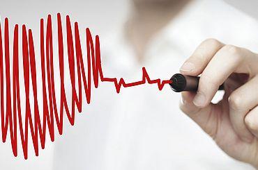 Herzschlag-Kurve in Herzform