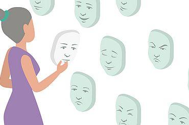 Frau schaut sich Gesichter an der Wand an